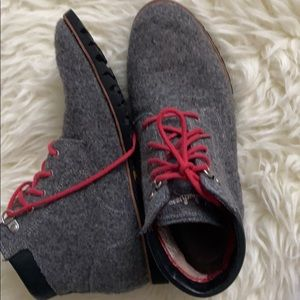 Woolrich Gray lace up boots